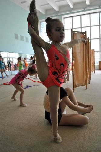 юные фотомодели и гимнастки